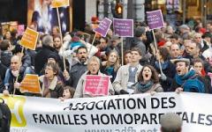 γαλλία-εγκρίθηκε-το-νομοσχέδιο-για-γάμους-ομοφυλόφιλων