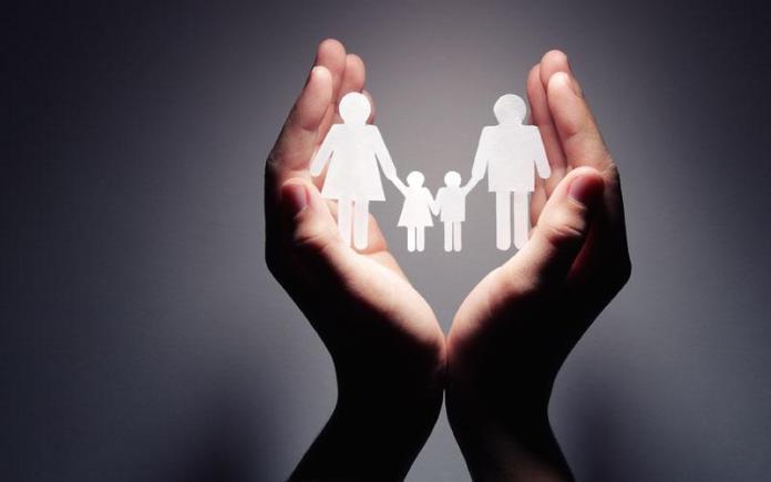 Αποτέλεσμα εικόνας για Ώστε οι γονείς δεν έχουν καμιά ευθύνη για τα παιδιά τους; Απλώς προεδρεύουν;